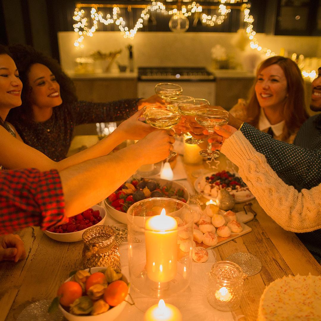 Bonne humeur, repas entre amis, solidaire