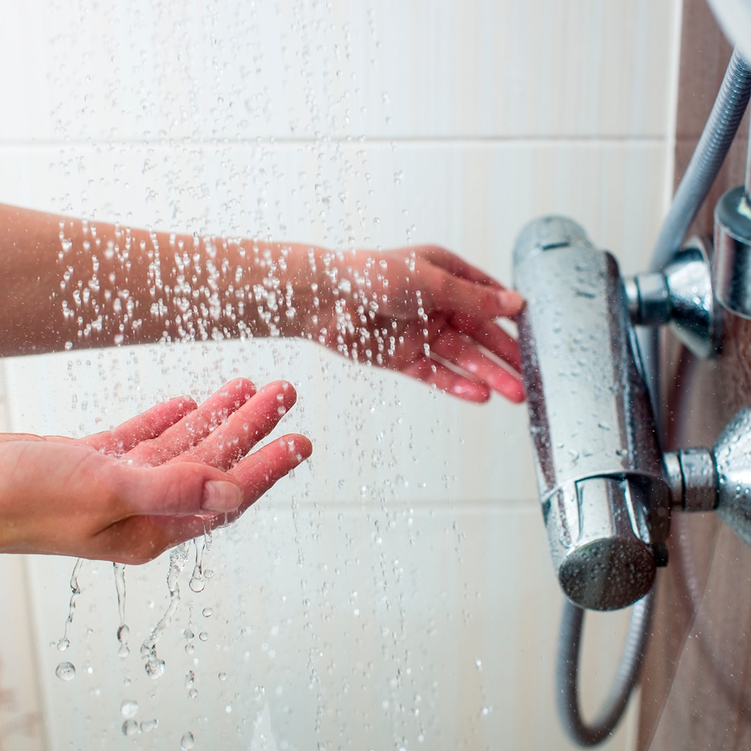 douche, eau chaude, gel douche surgras
